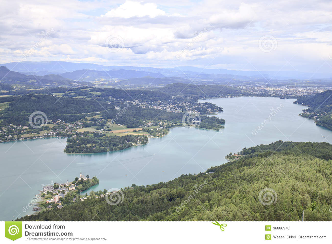 Download Vista Sopra Il Wörthersee Da Pyramidekogel, Austria Fotografia Stock - Immagine di poco, foresta: 36886976