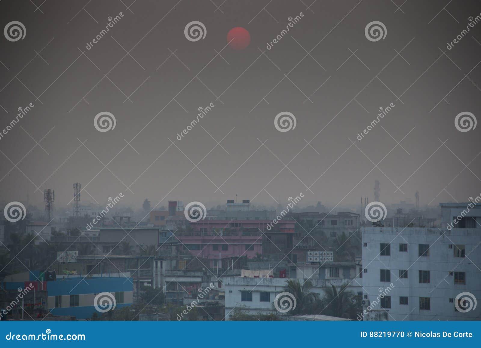 Vista sopra Khulna nel Bangladesh