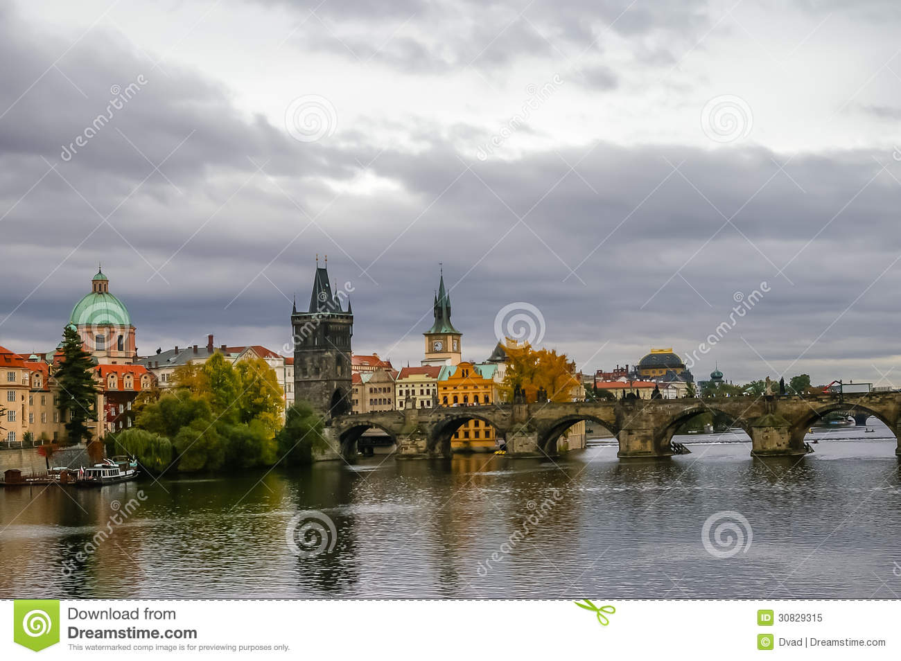 Vista su Charles Bridge a Praga