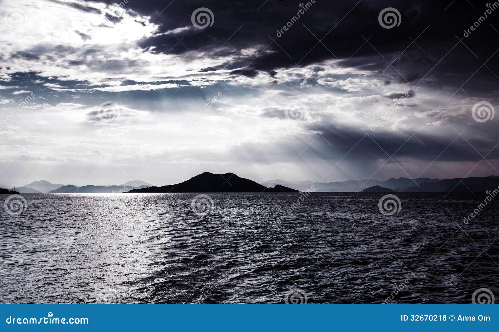 Vista Sul Mare Di Notte Fotografia Stock Immagine Di Oceano 32670218