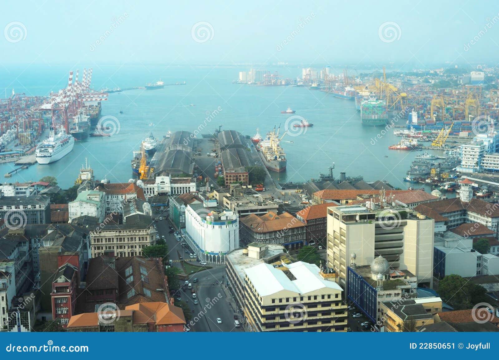 Vista sul porto di Colombo