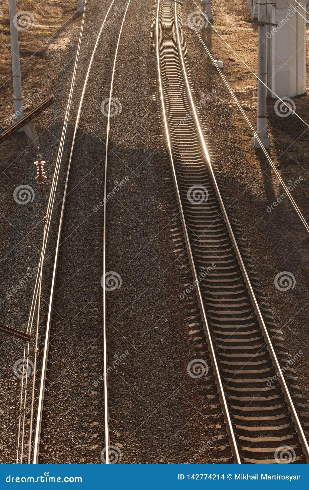 Vista superior das trilhas do trem