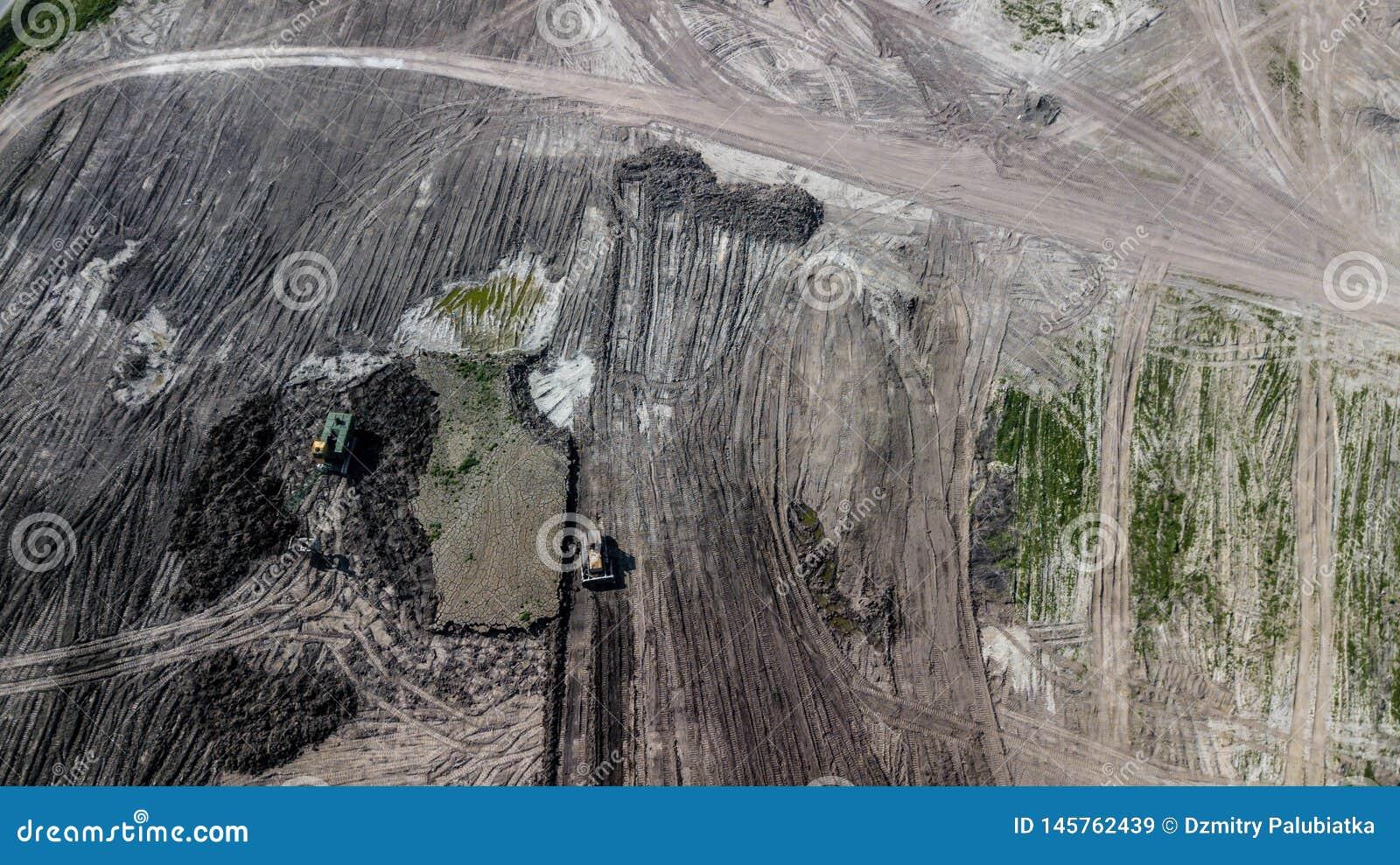 Vista superior de las rafadoras en mina de la piedra caliza