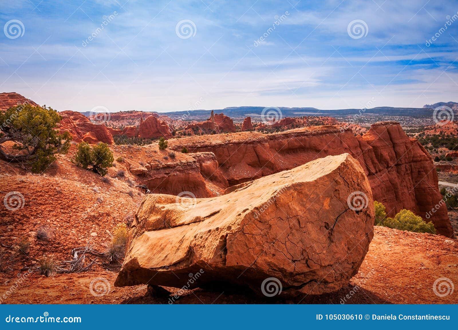 Vista surpreendente do parque estadual da bacia de Kodachrome, Estados Unidos