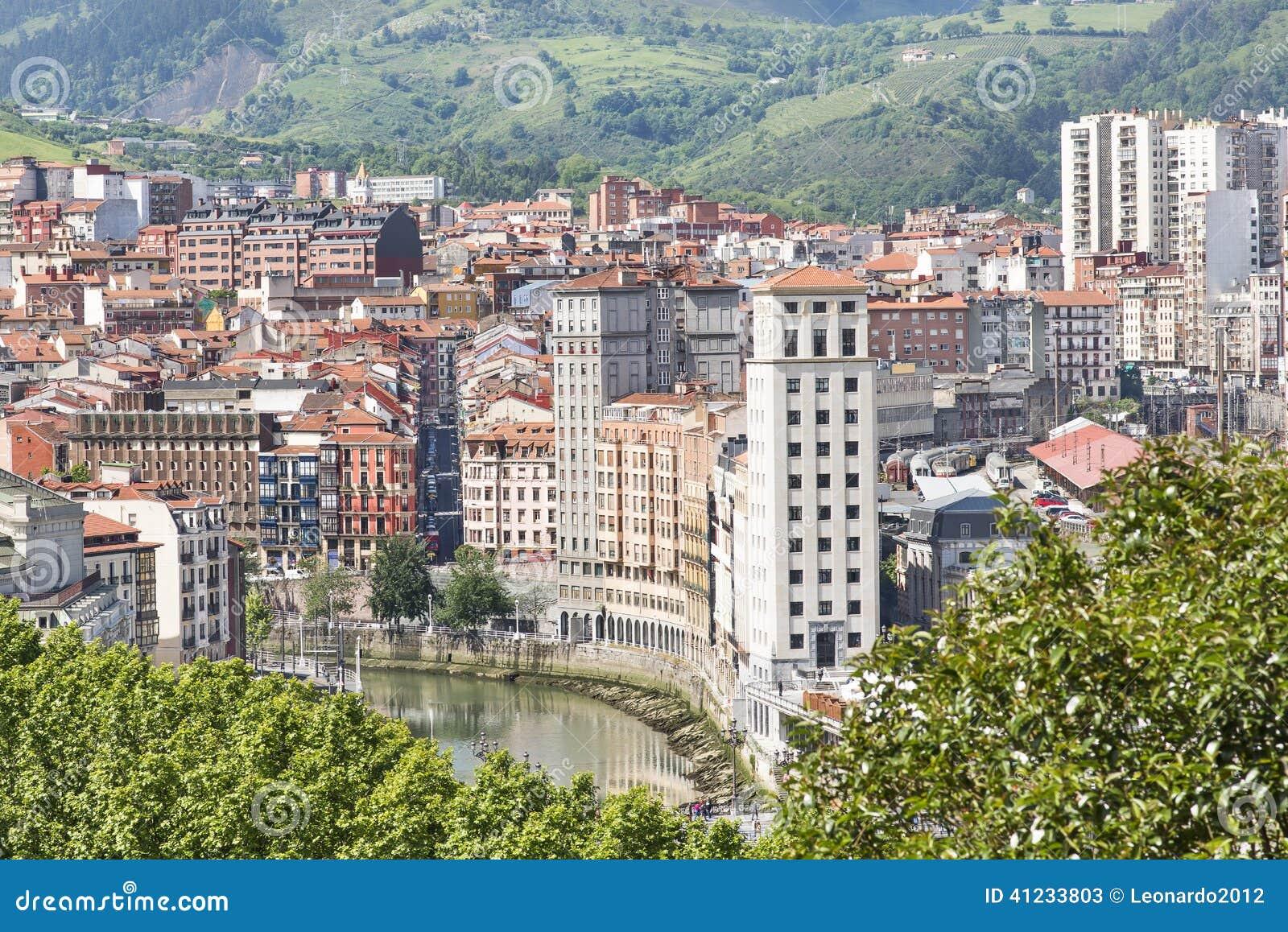 Vistas a reas de la ciudad y de las fachadas bizkaia - Arquitectura pais vasco ...