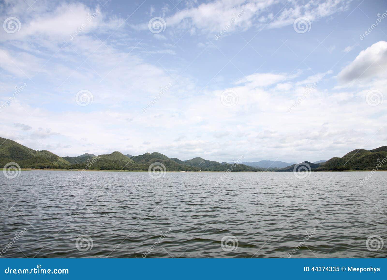 Viste del lago in Tailandia