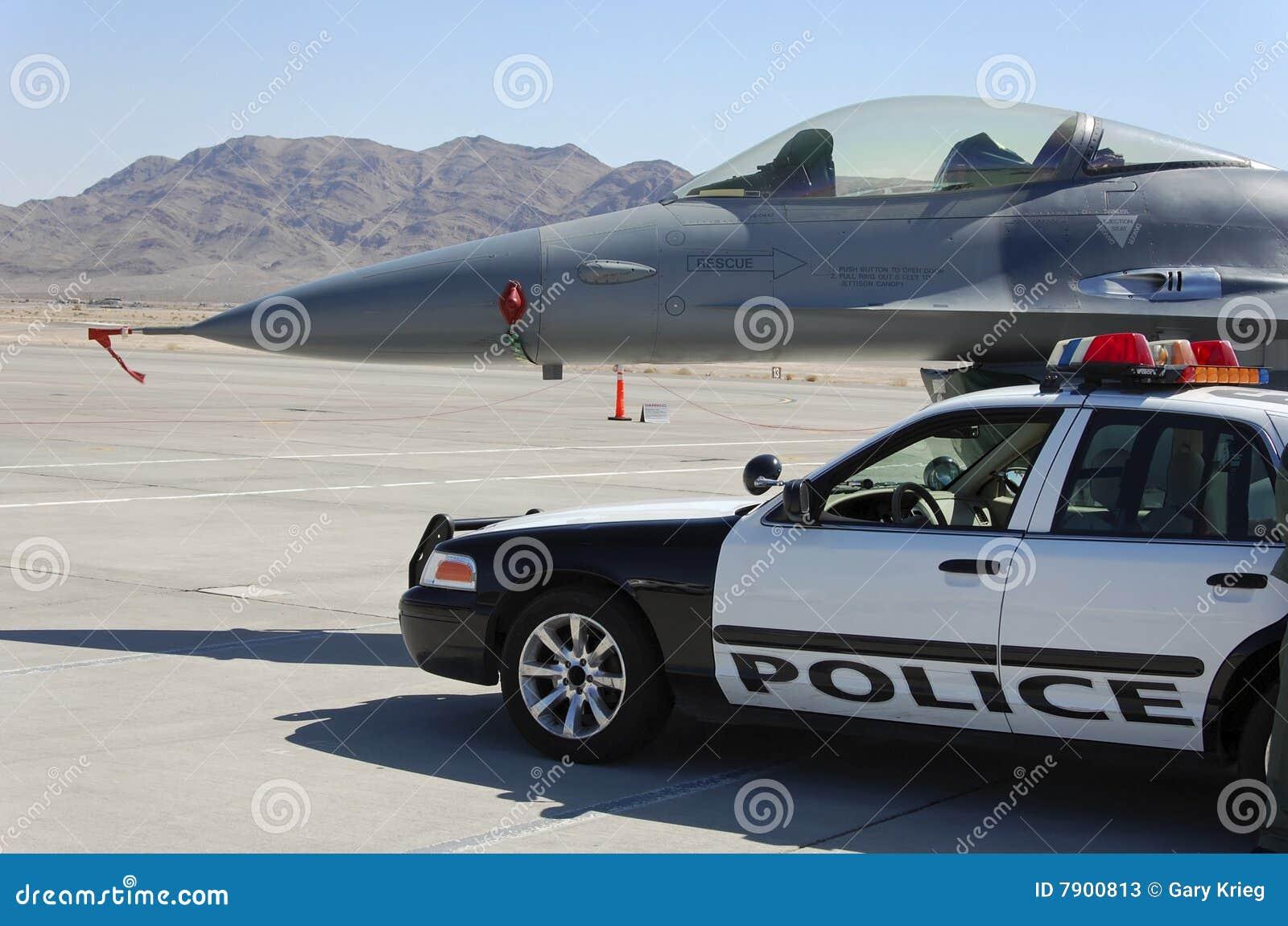Visualización militar del coche policía de los aviones de combate