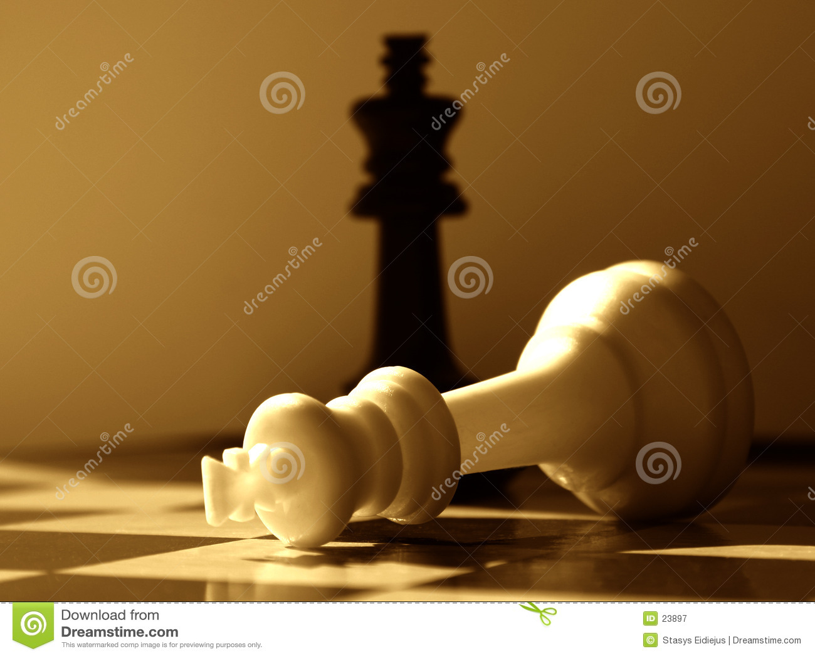 Vitórias do preto da encenação da xadrez