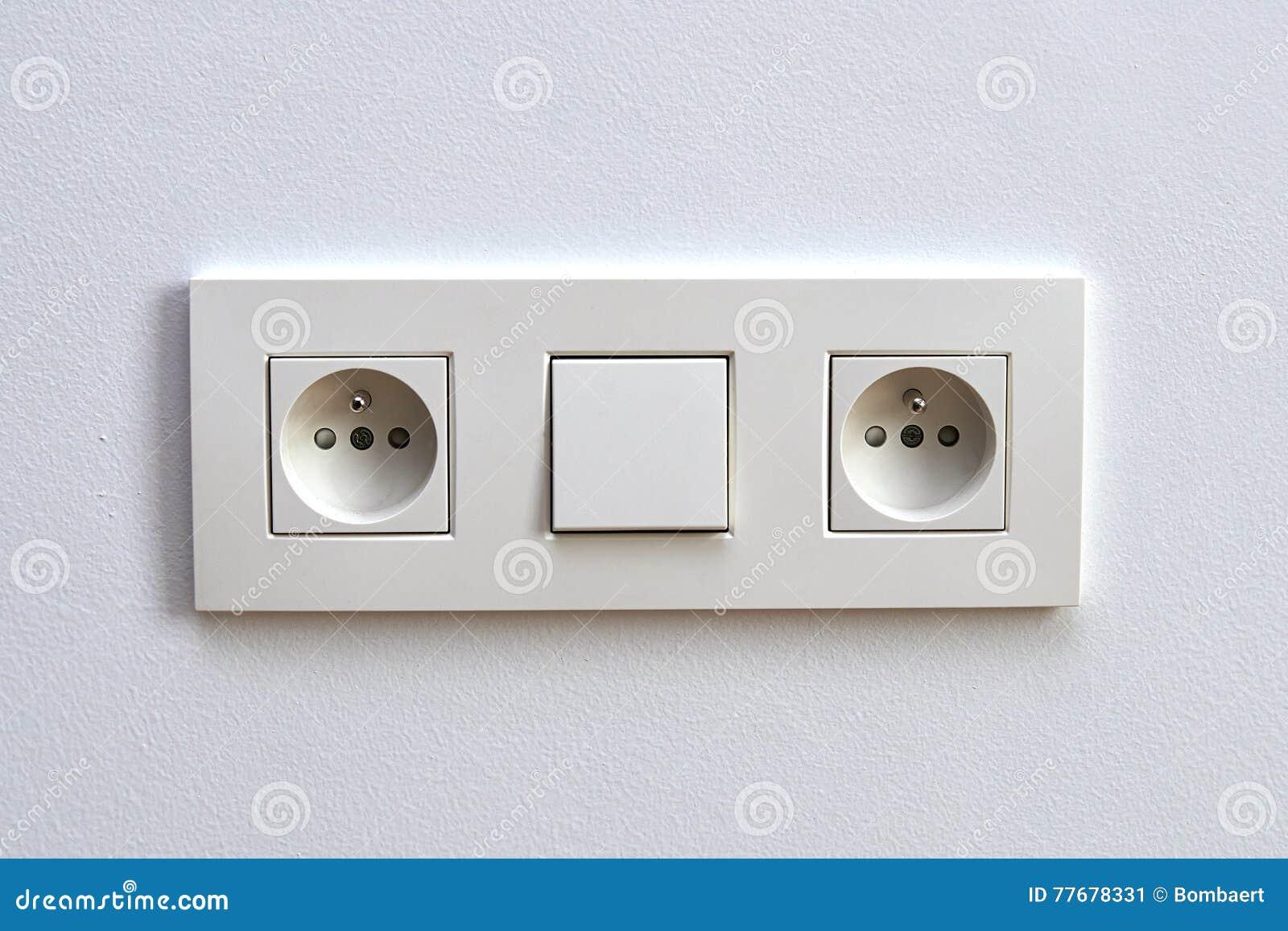 Unika Vit Ljus Strömbrytare Och Elektriskt Uttag Fotografering för DT-24