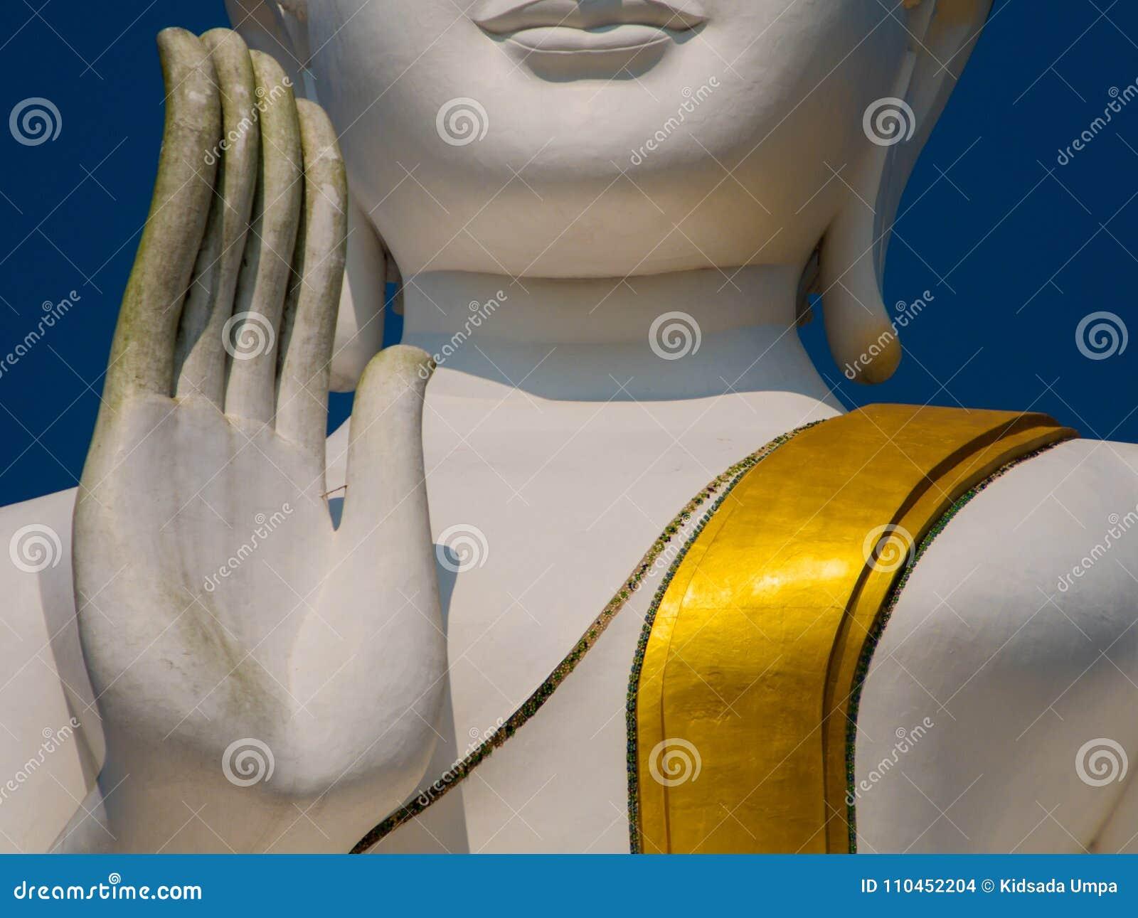 Vit och guld- stora buddha lift2