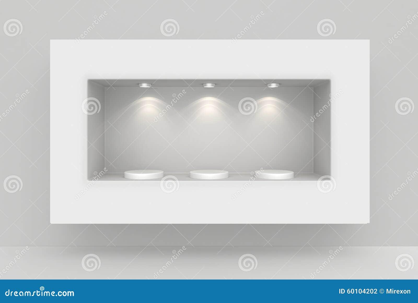Vit vägg med nischen och tom sockel för