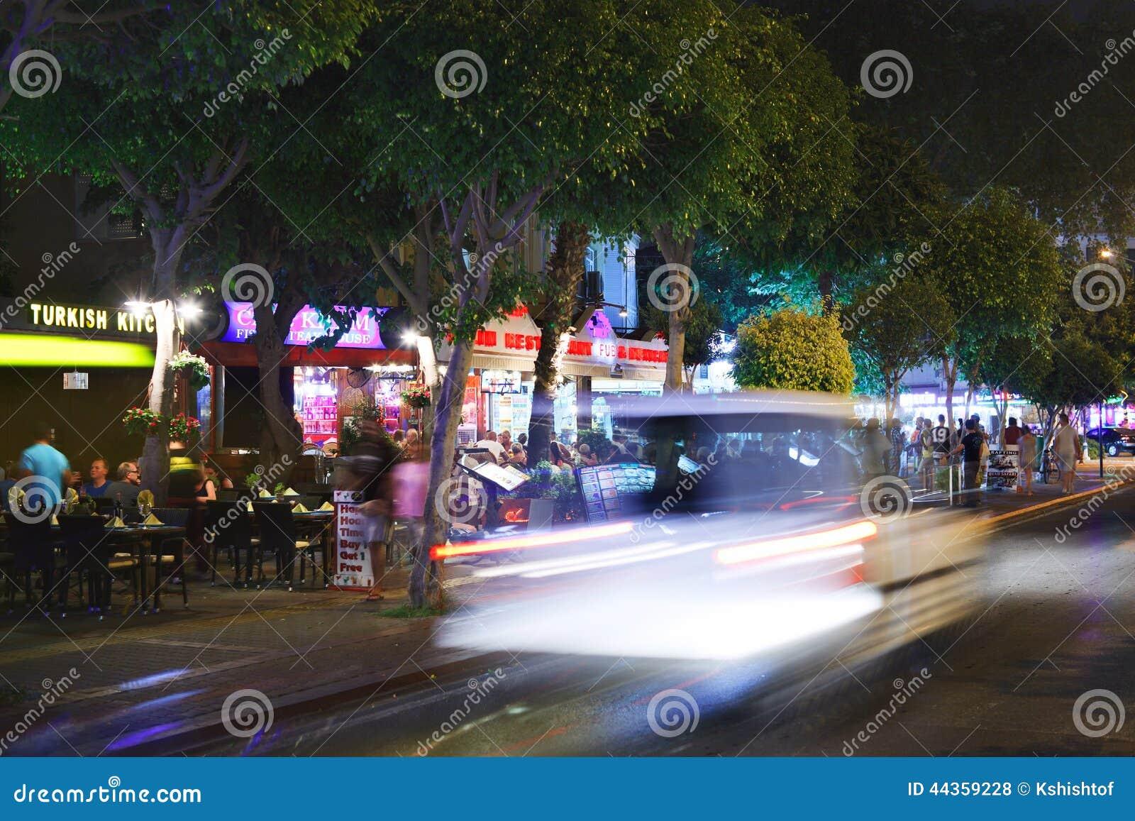 Vita di notte in Alanya