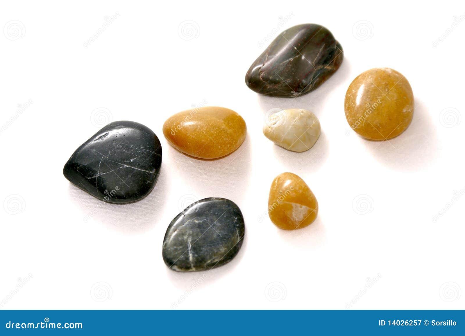 Vita polerade stenar