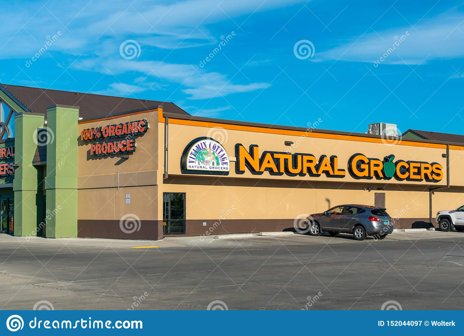 Car Dealerships In Grand Forks Nd >> Vitamin Cottage Natural Grocers Retail Store Exterior