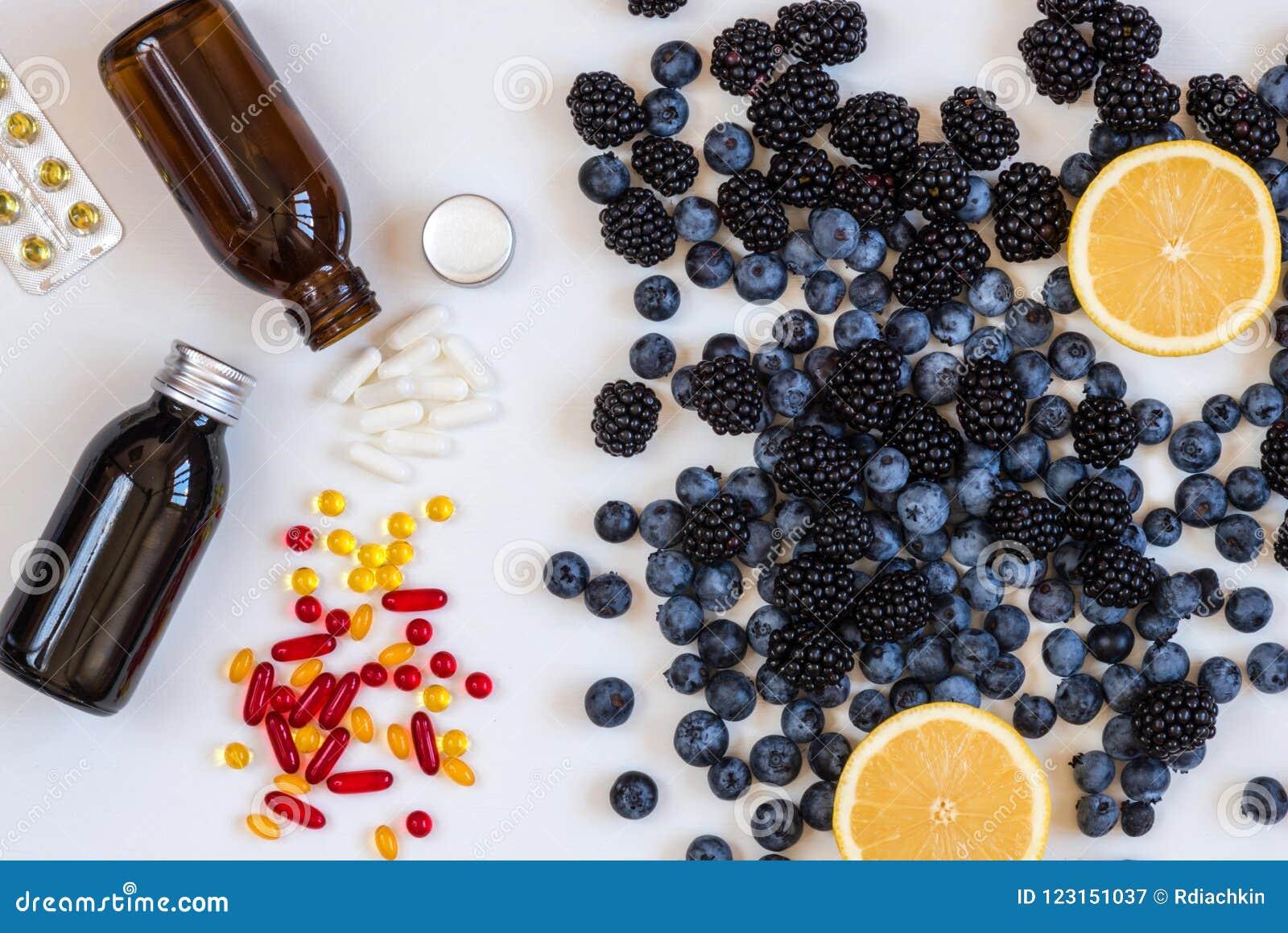 que vitaminas tiene los arandanos