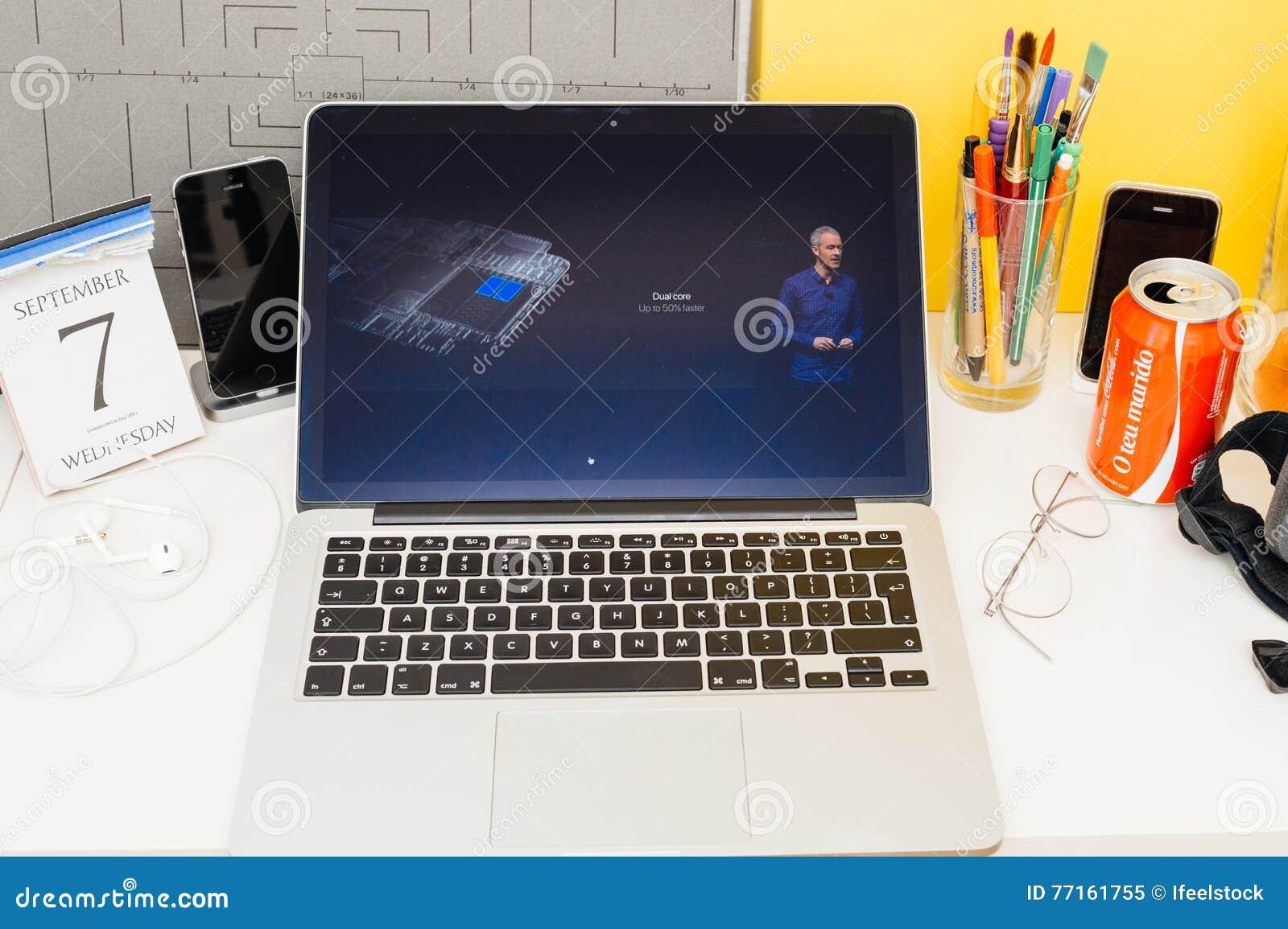Vitesse de présentation de noyau de montre de pomme de site Web d ordinateurs Apple double