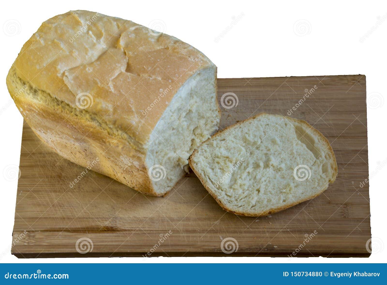 Vitt hemlagat bröd på trät som isoleras på vit