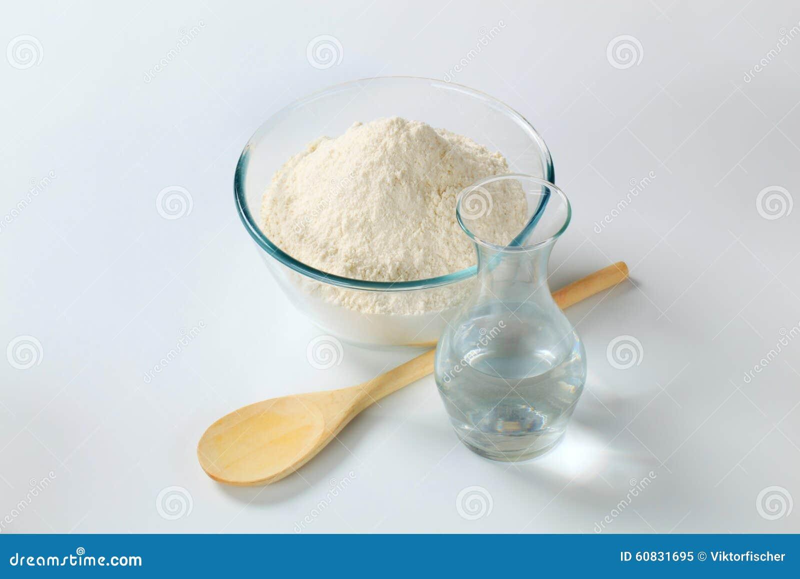 mjöl och vatten