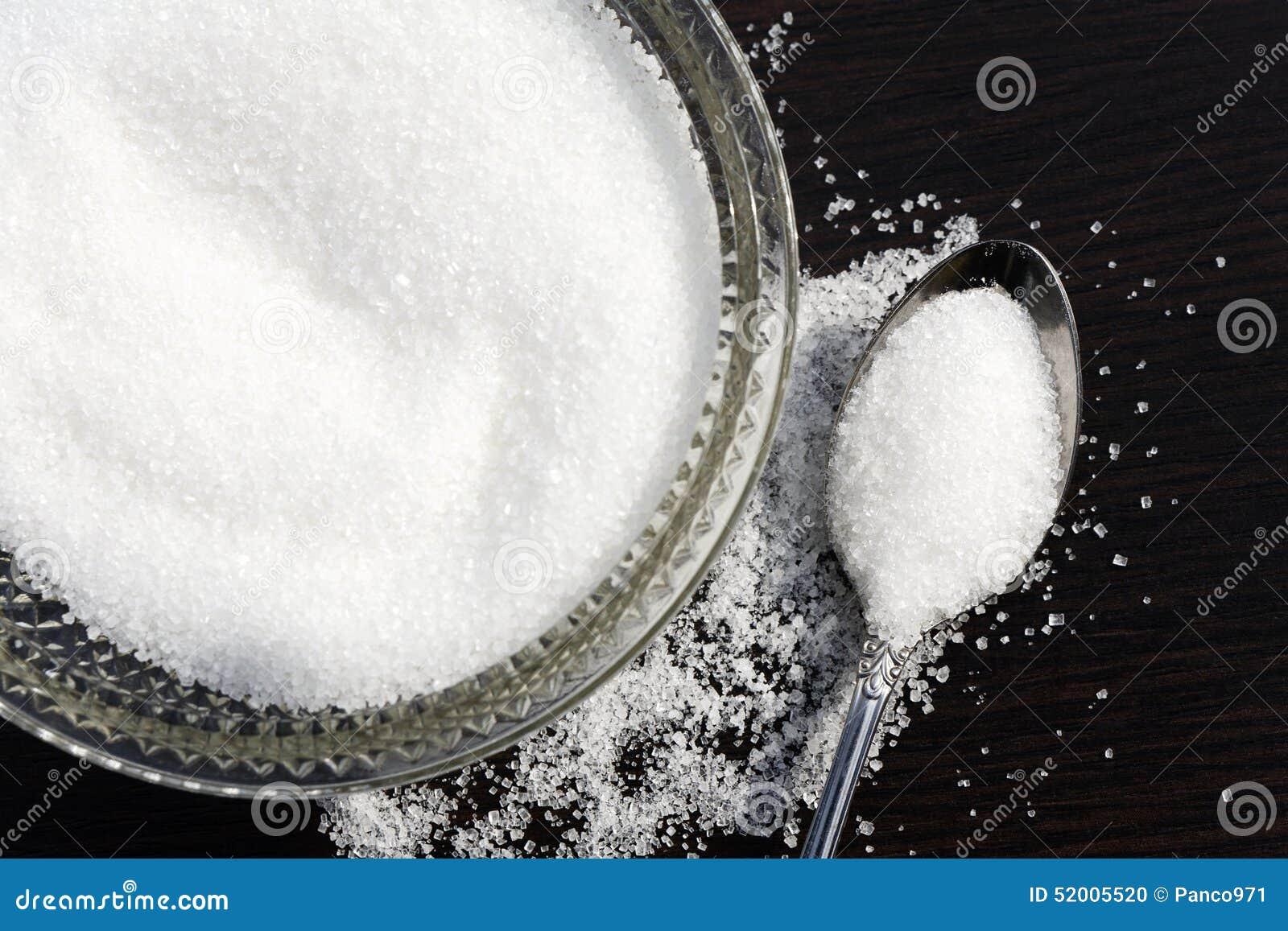 Vitt socker i bunke