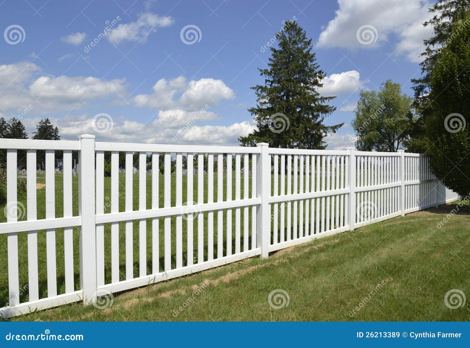 Vitt lantligt staket foton – 14,734 vitt lantligt staket bilder ...