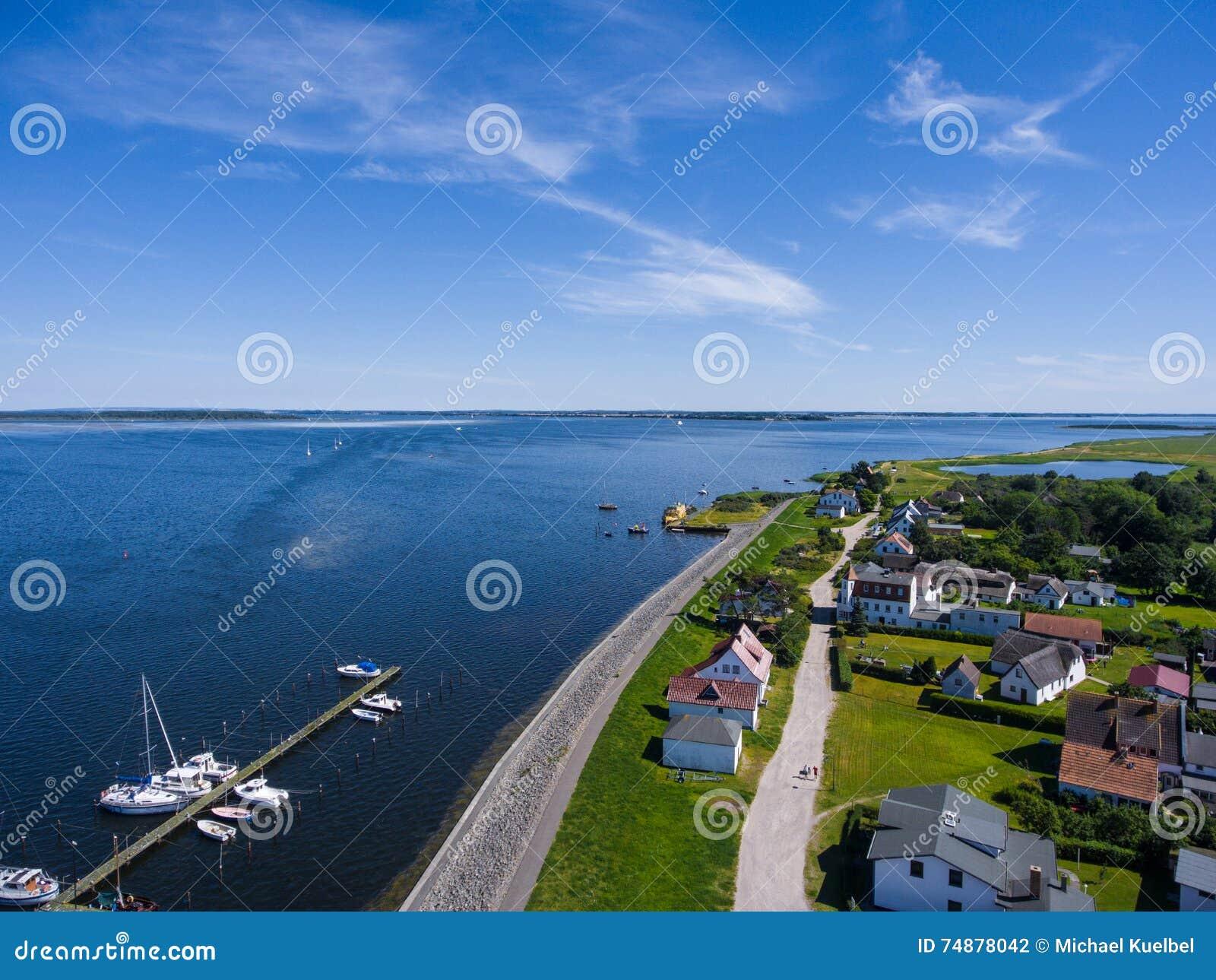 Vitte Hiddensee na ilha do porto de Alemanha