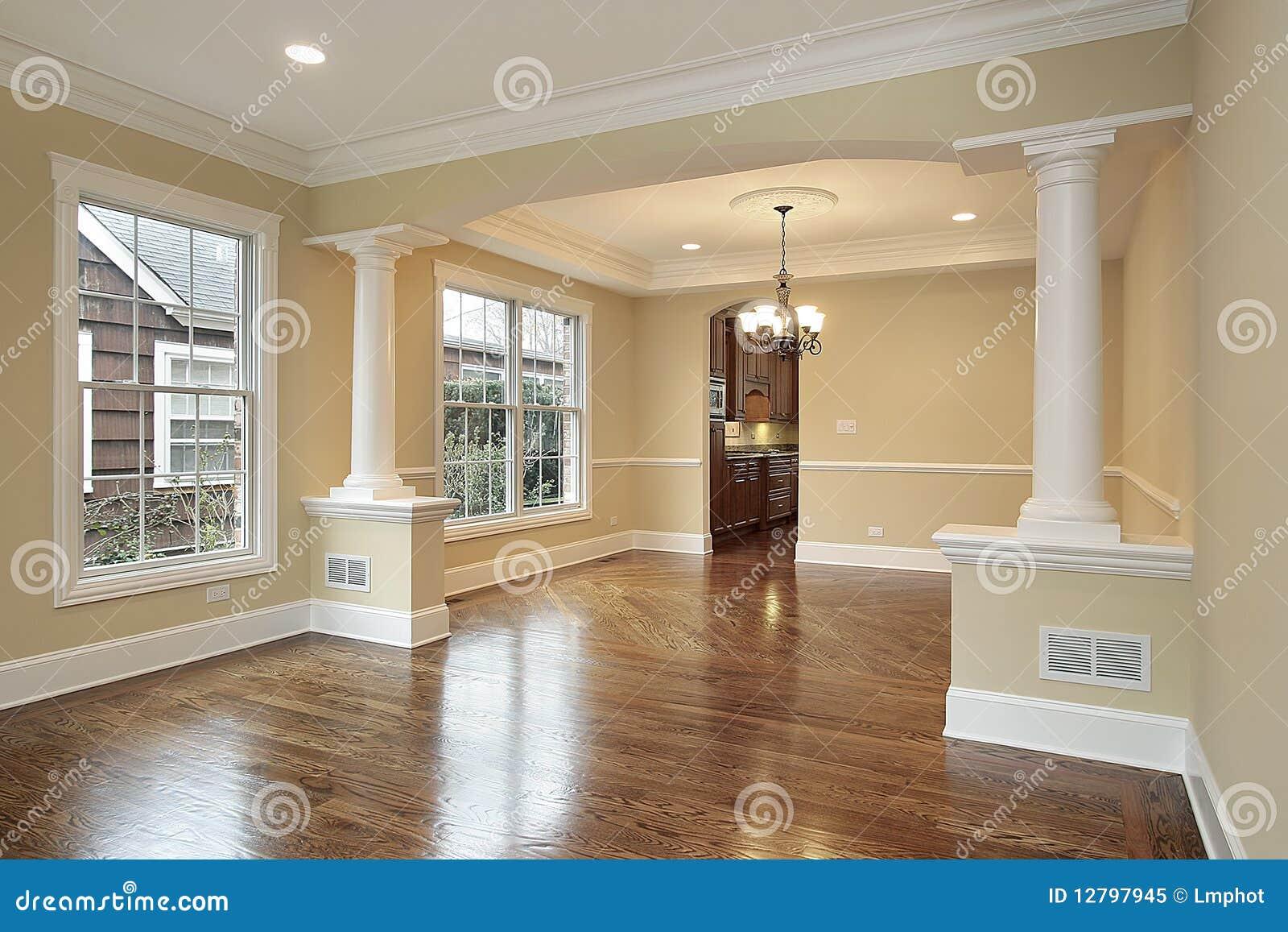 Vivendo E Sala Da Pranzo Con Le Colonne Bianche Immagine Stock Immagine 12797945