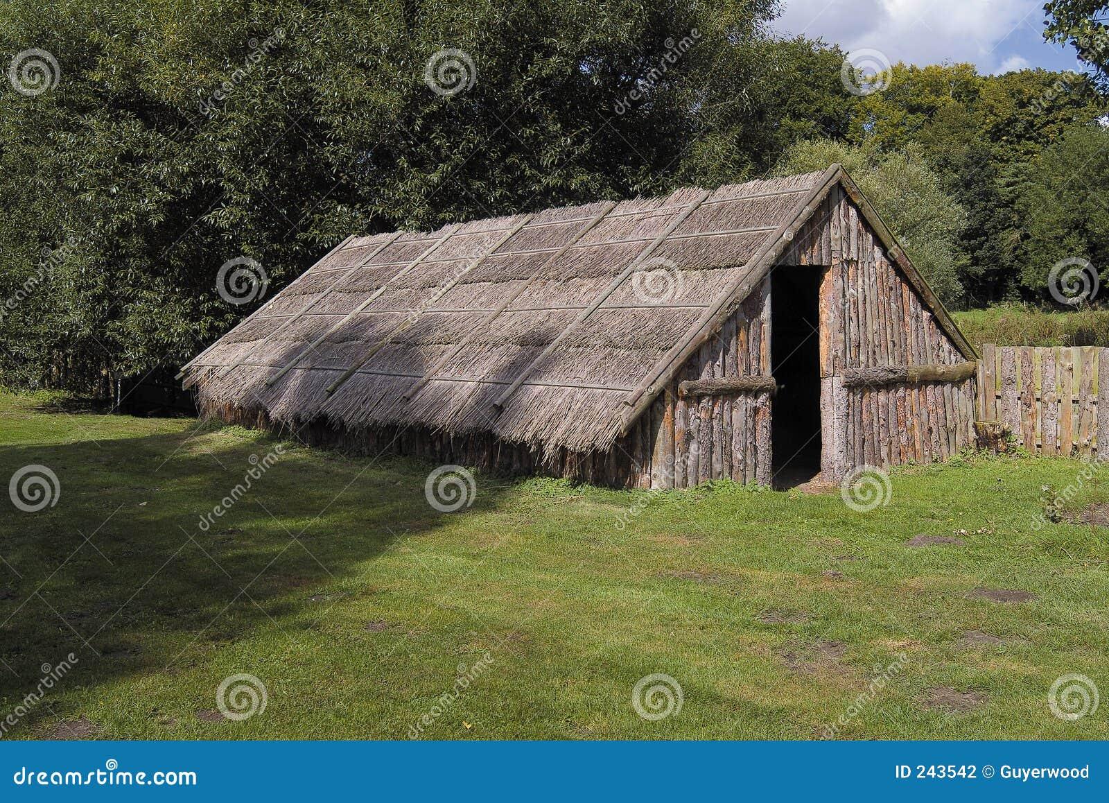 Vivienda tribal antigua foto de archivo imagen de - Fotos de viviendas ...