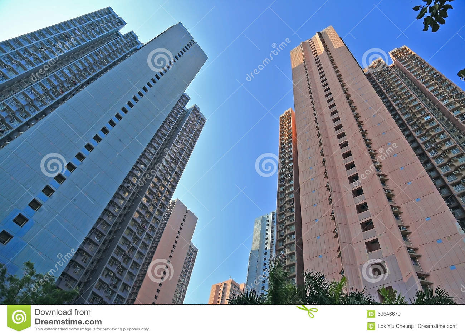 Vivienda y edificio apretados de Hong Kong