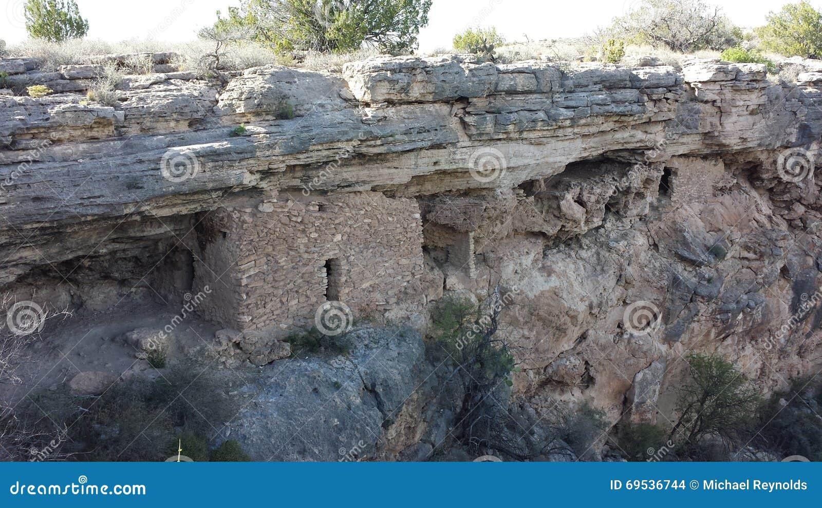 Viviendas del pozo de Montezumas