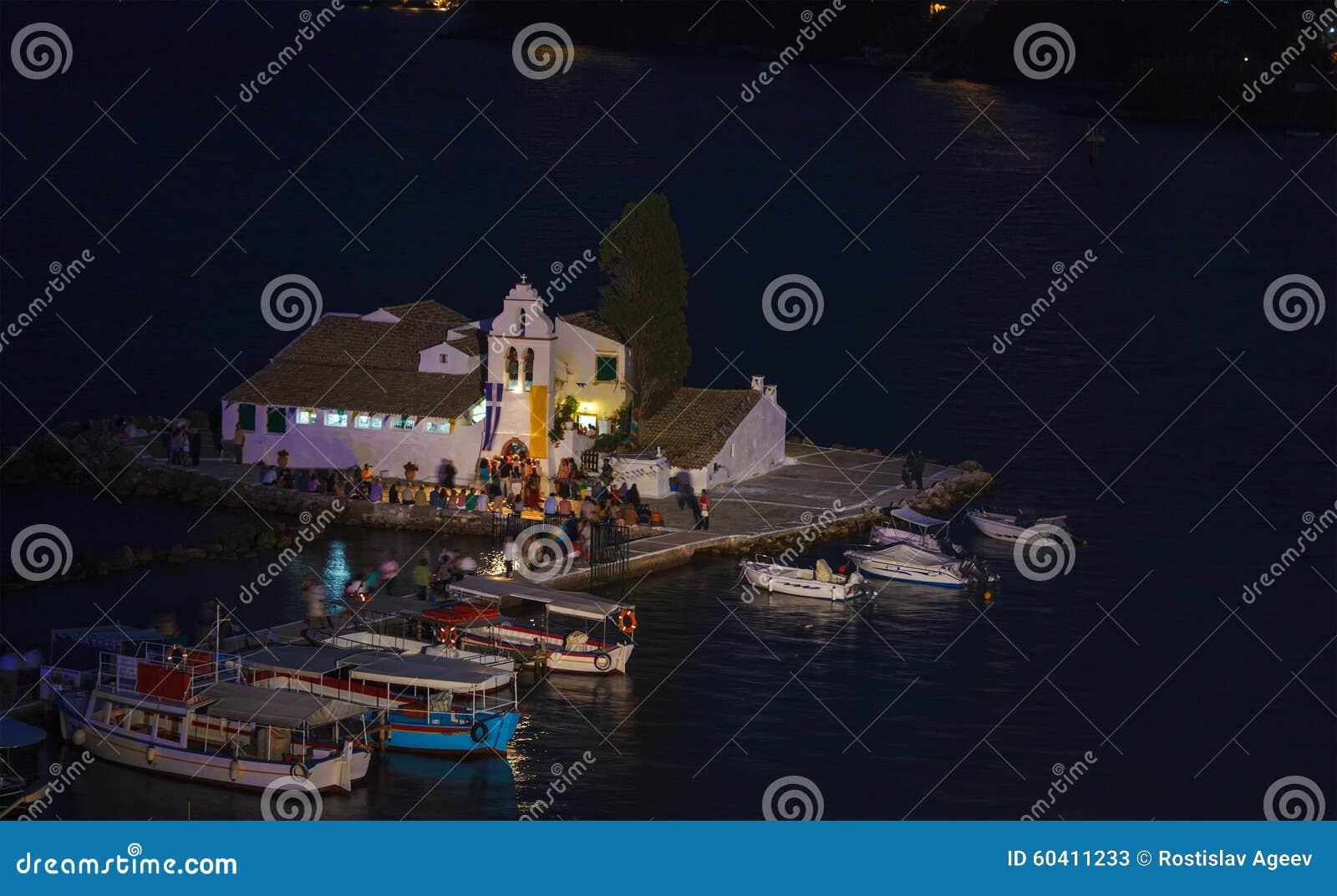 Vlacherna修道院和Pontikonisi海岛,坎市晚上场面