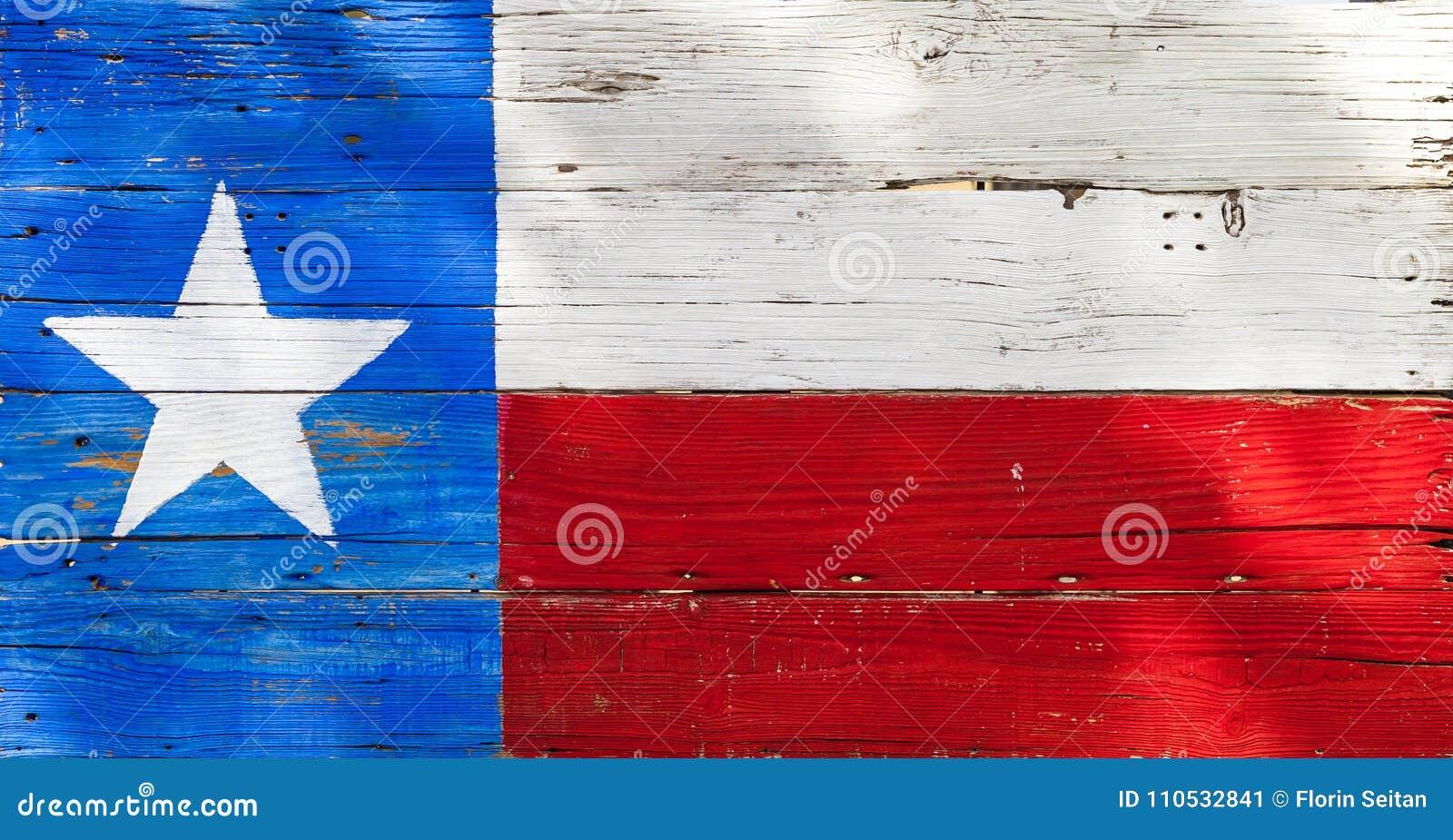 Vlag van Texas op plattelander wordt geschilderd doorstond houten raad die