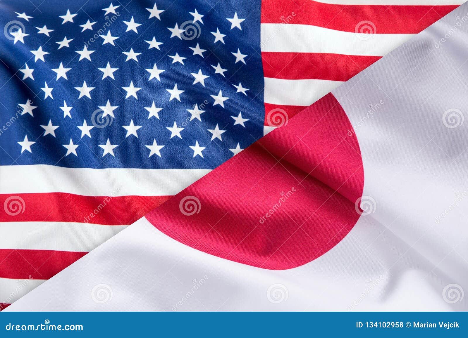 Vlaggen van de vlag van de Verenigde Staten van Amerika en van Japan samen