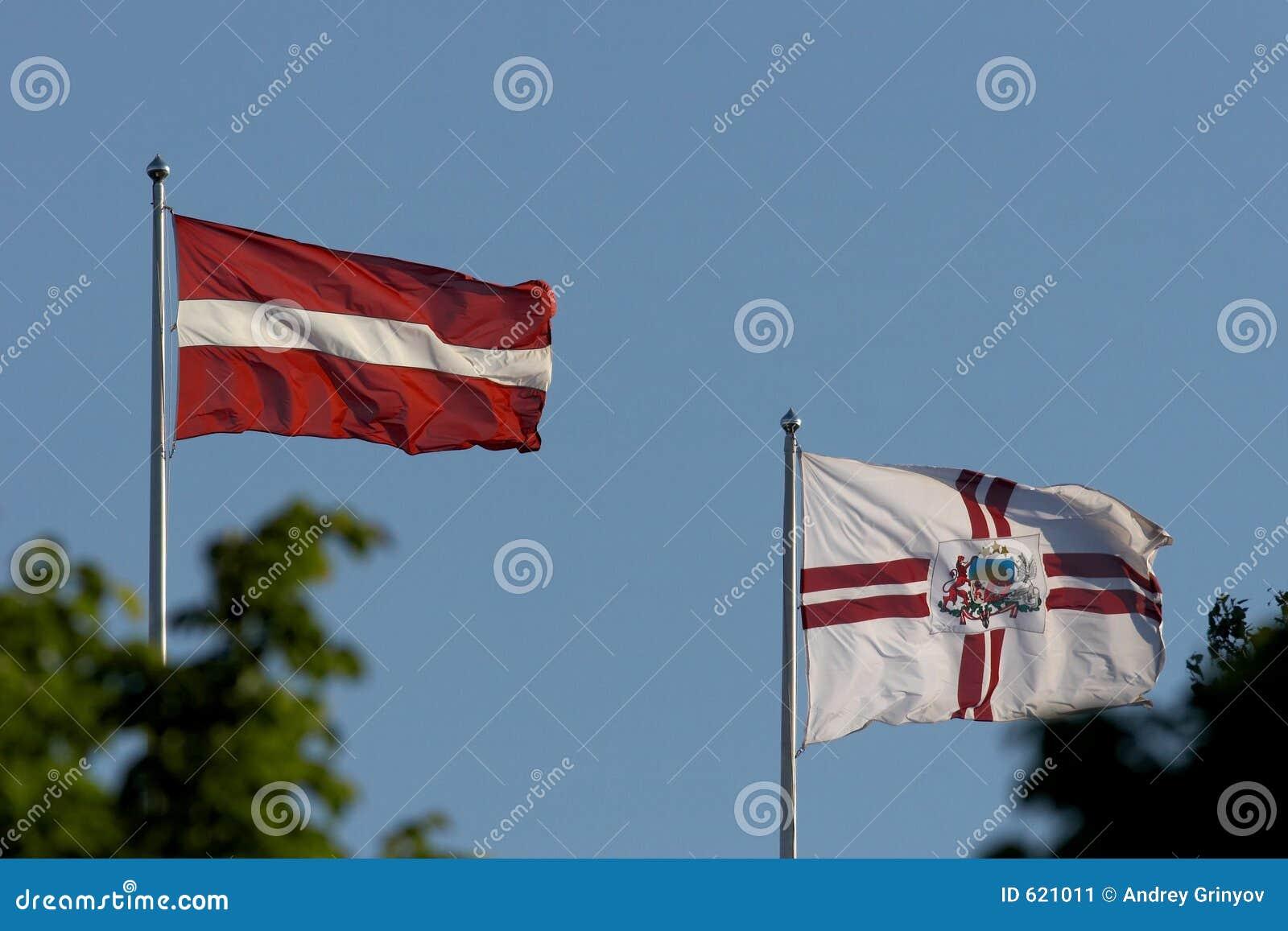 Vlaggen van Letland en vlaggen van Riga