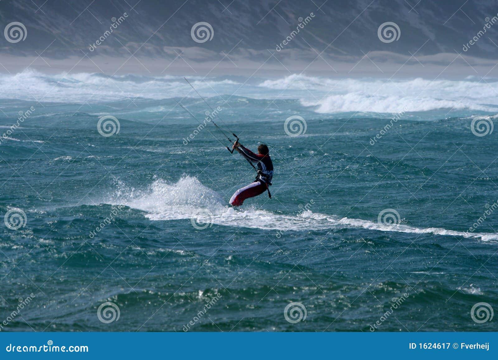Vlieger die Baai Sodwana surft