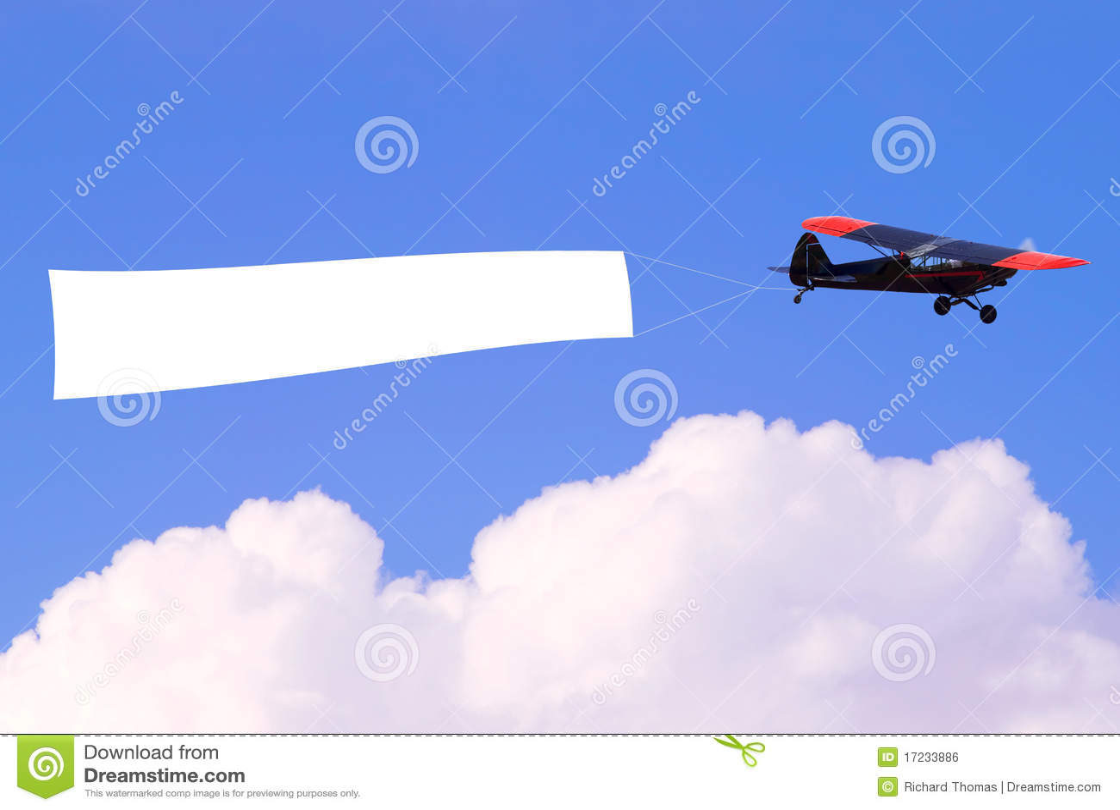 Vliegtuig dat lege banner vliegt