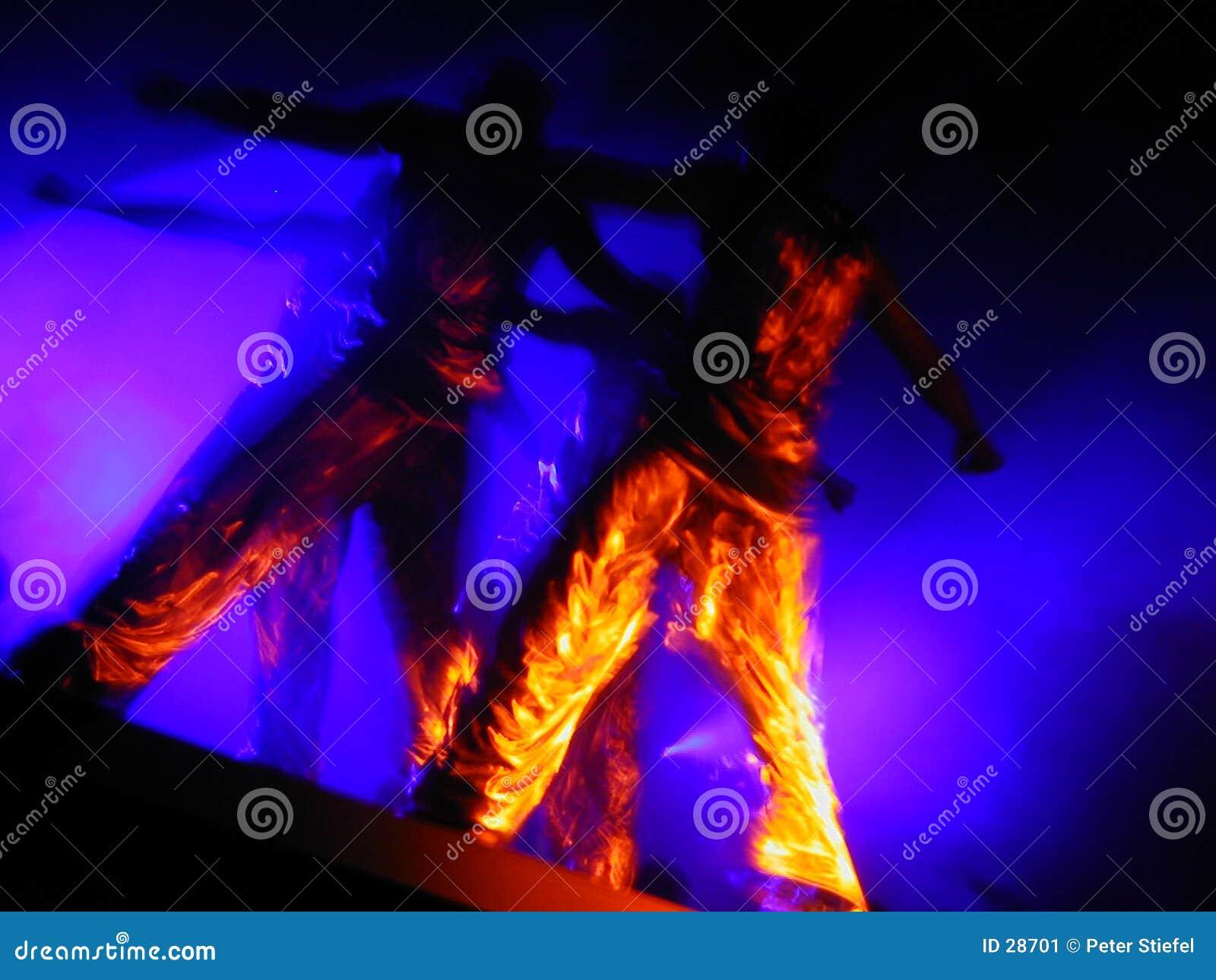 Vloeibare gouden dansuitvoerders
