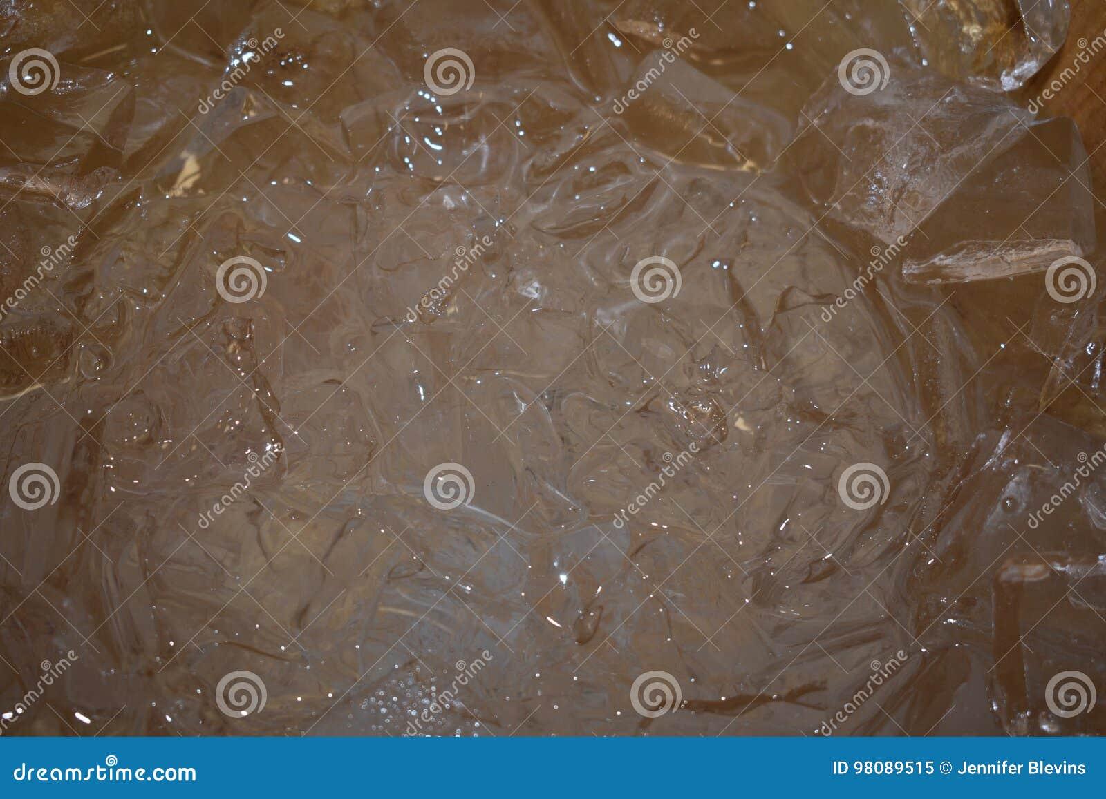 Vloeistof met ijs