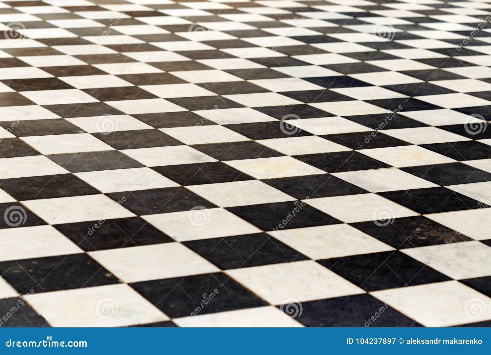 Zwart Wit Vloertegels.Vloertegels Op Een Schaakbord Het Perspectief Is Zwart Wit