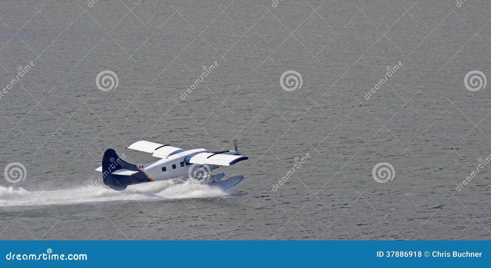Vlottervliegtuig het Opstijgen
