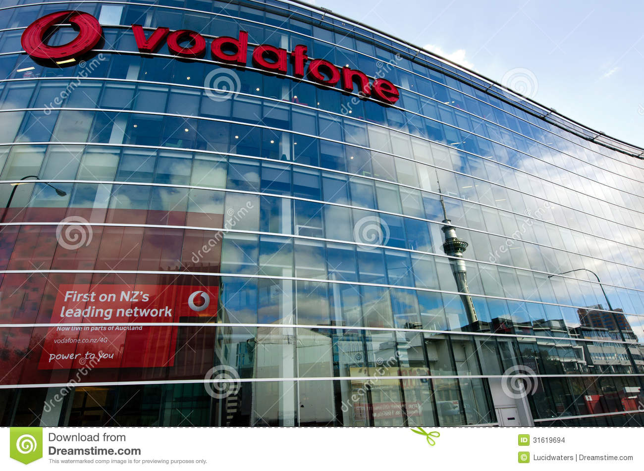 vodafone and telecom nz 2009 2012 Looks like telecom new zealand was fully prepared to fold like a bad poker hand the moment vodafone put on the pressure, because they've quickly agreed to dela.