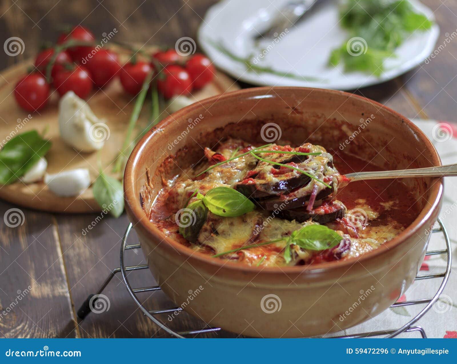 Voedselfoto met gebakken aubergineaubergine