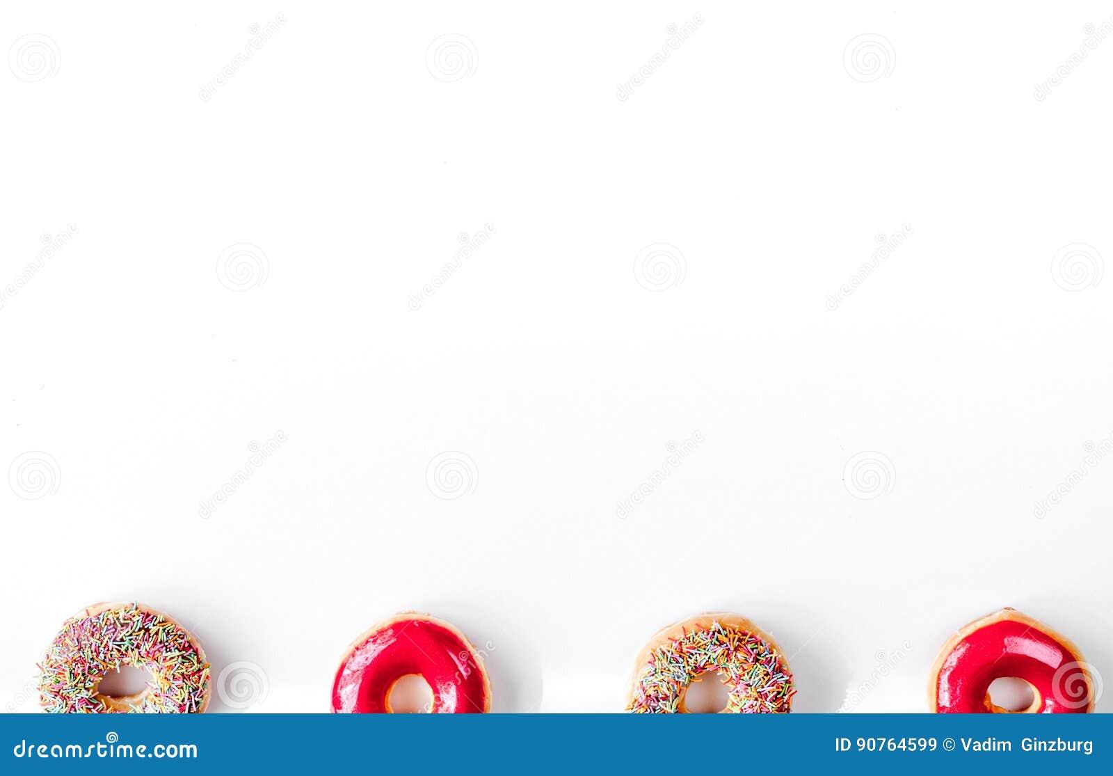 voedselontwerp met donat op wit lijst achtergrond hoogste