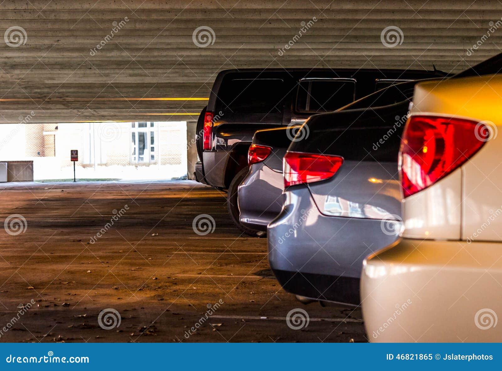 Voertuigen in een parkerengarage