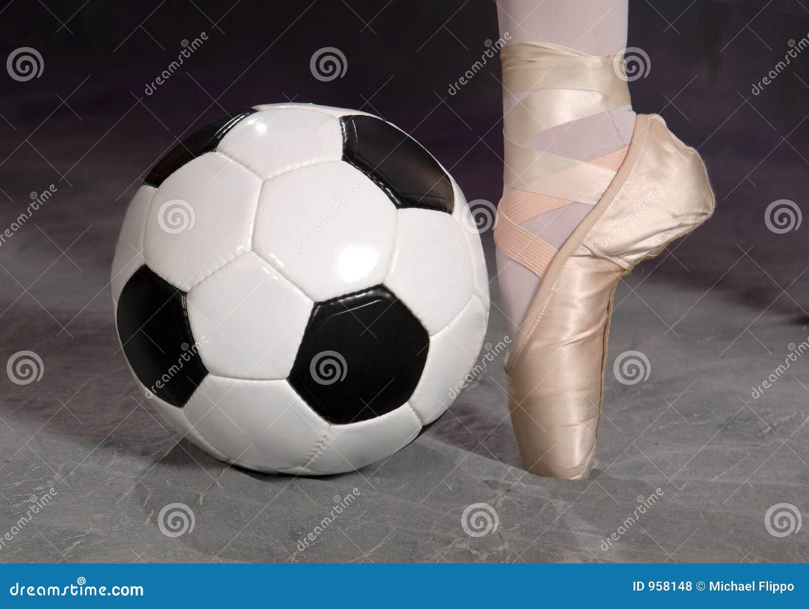 Voetbal - de Schoen van de Voetbal en van het Ballet