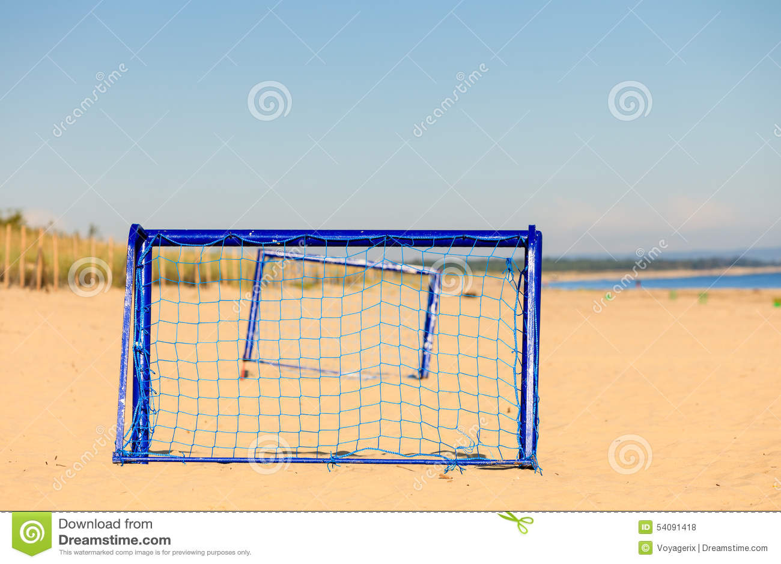 Voetbalpoort op het zandige doel van het strandvoetbal