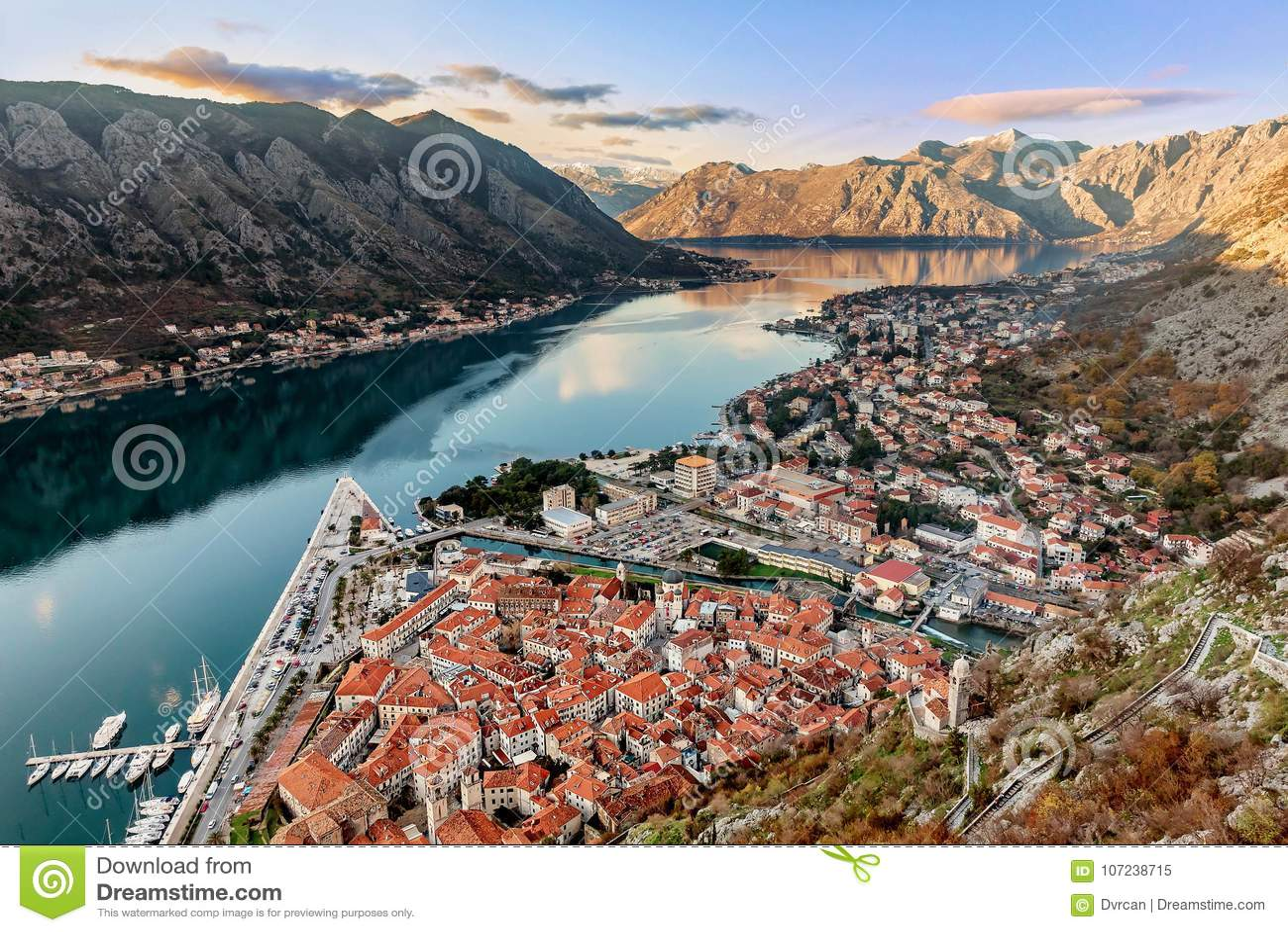 Vogelperspektive Der Alten Stadt Von Kotor Montenegro Stockbild