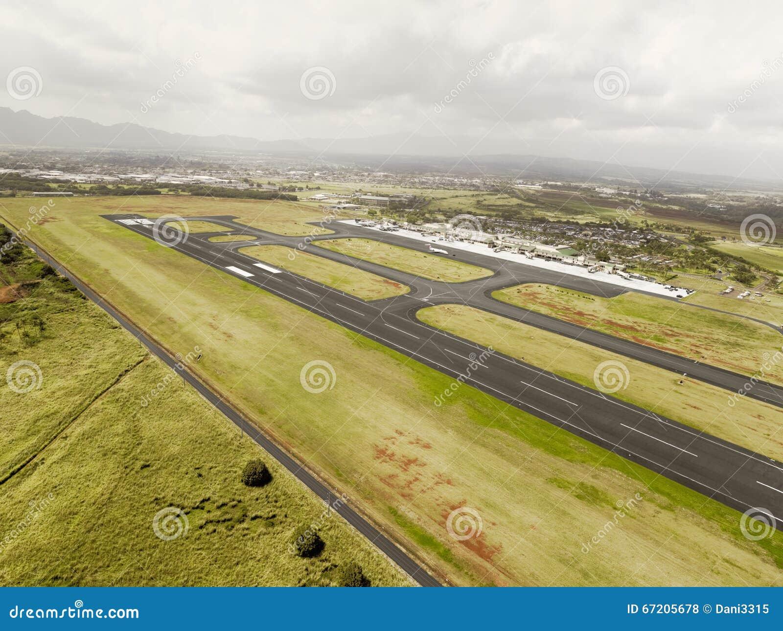 Vogelperspektive der internationaler Flughafen-Rollbahn Hilo, Hawaii
