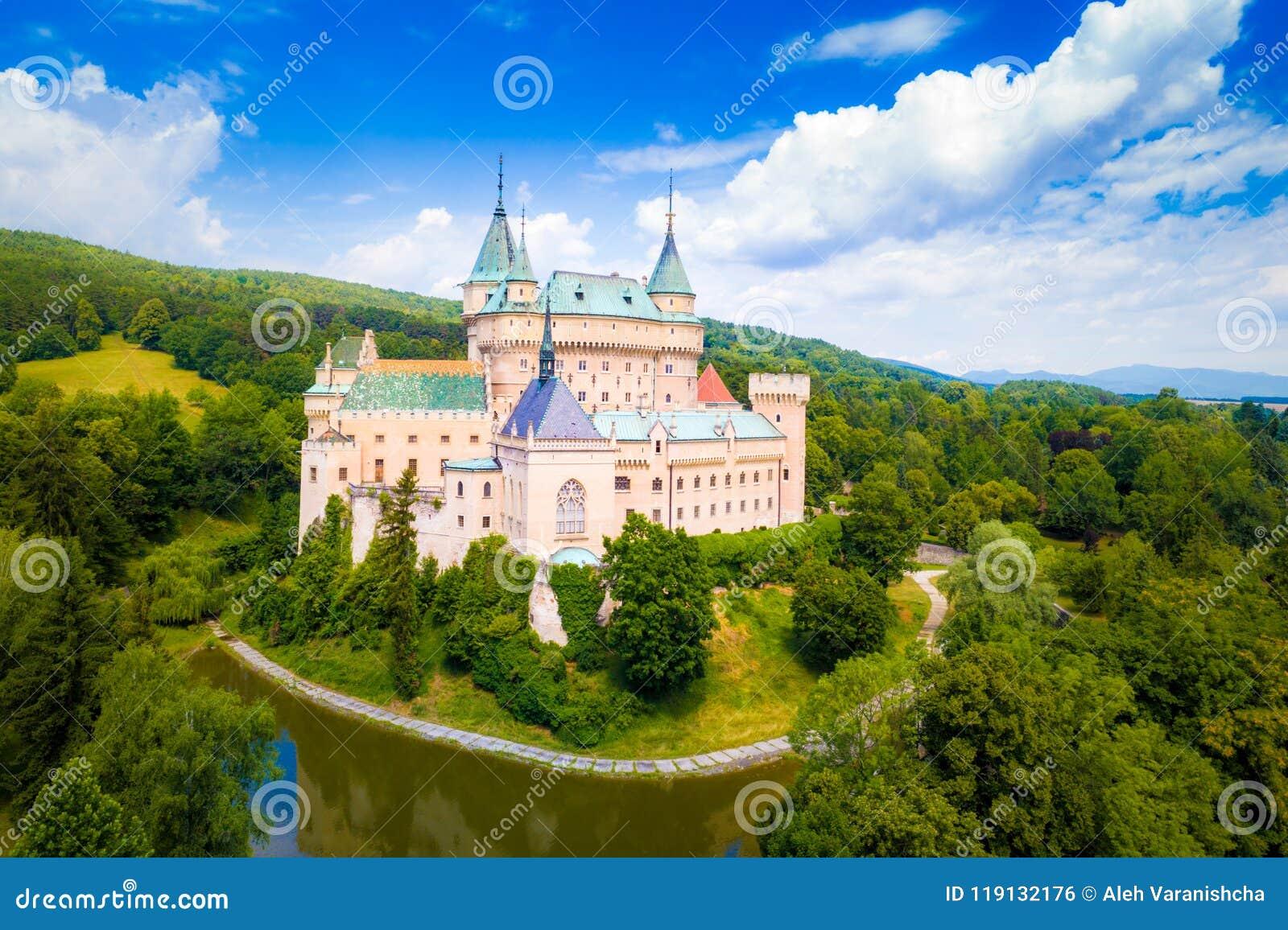 Vogelperspektive von Bojnice-Schloss