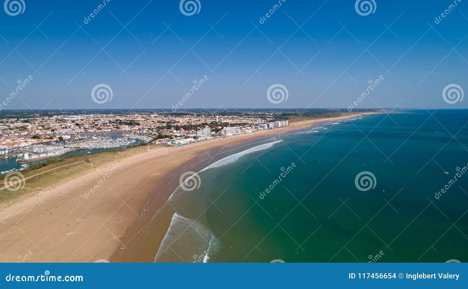 Vogelperspektive von Heilig-Gilles Croix de Vie-Strand im Vendee