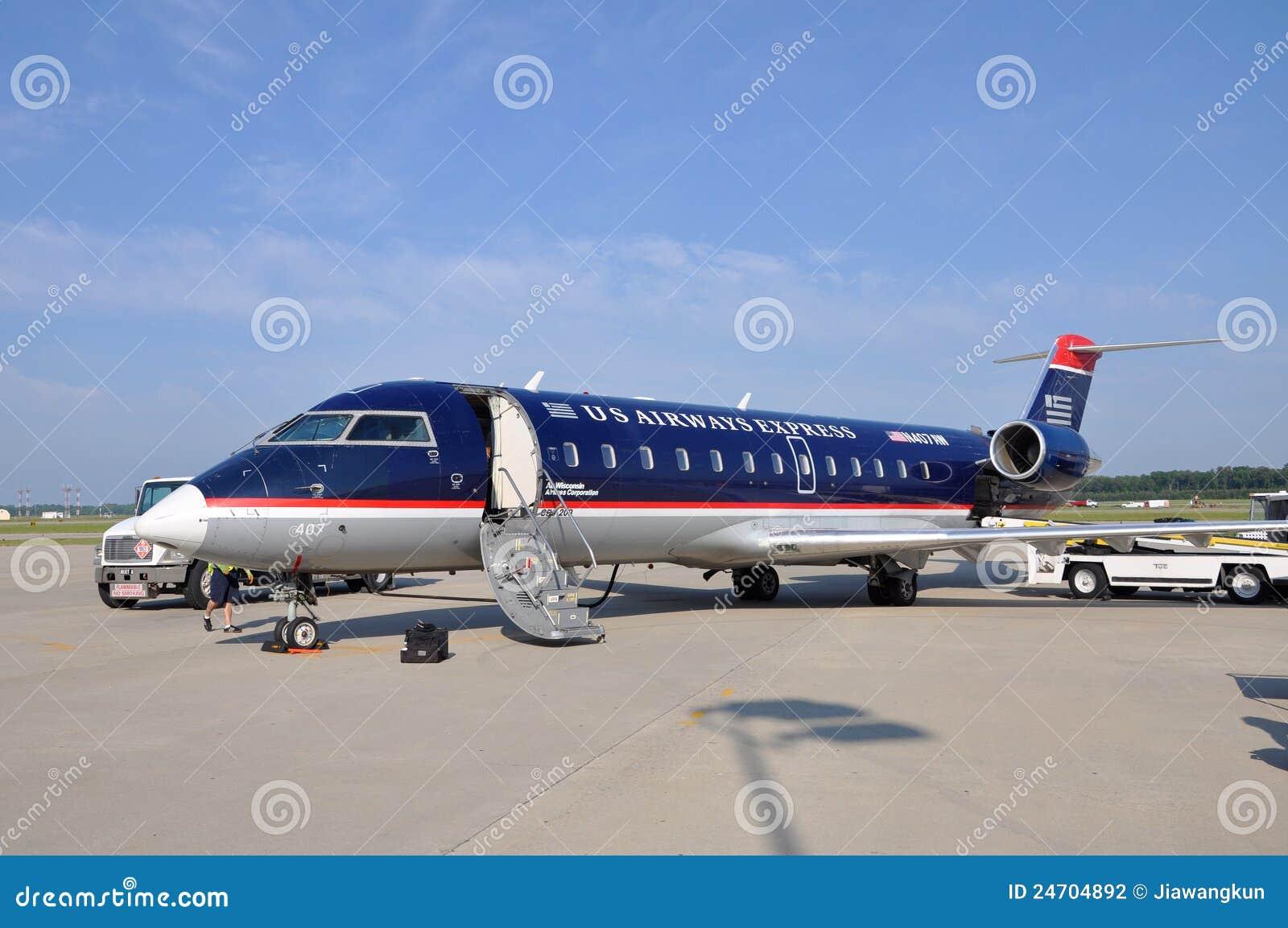 Voies aériennes des USA CRJ 200 à l aéroport